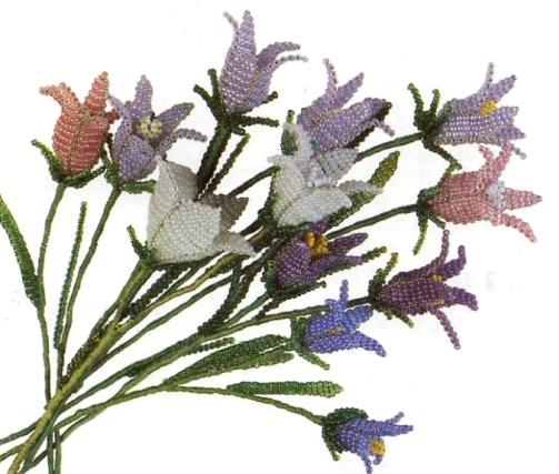 Цветок колокольчик из бисера.