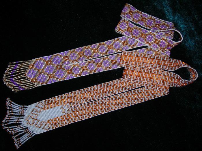Сылянки, или плетенки, - ровные полоски из бисера, которые завязывают сзади на шее.  Название происходит от способа...