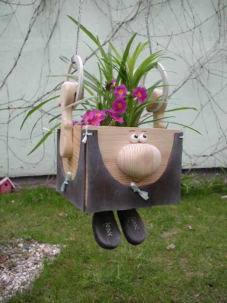 оригинални цветарници в градината