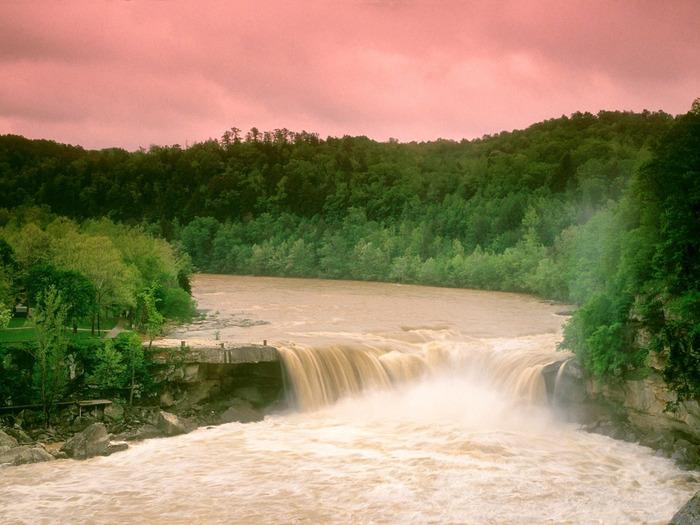 Cumberland Falls, Kentucky - 1600x1200 - ID 3629 (700x525, 132Kb)