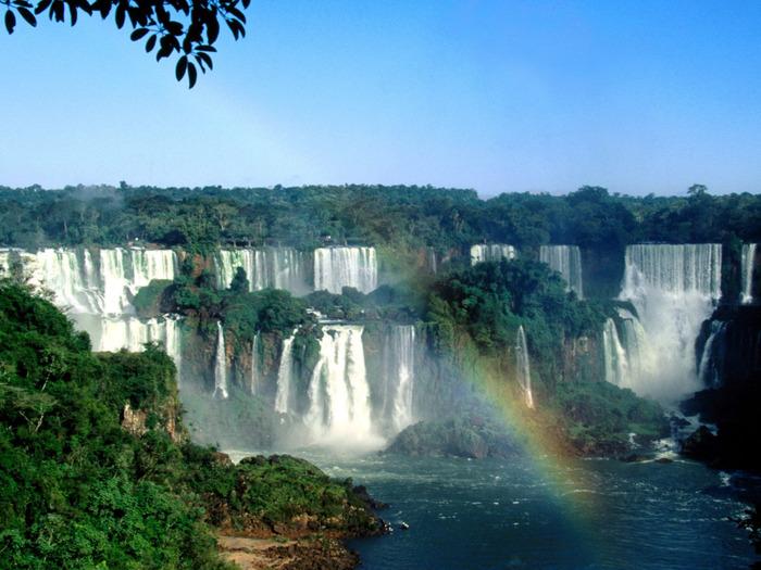 Iguazu Falls, Brazil - 1600x1200 - ID 18718 (700x525, 141Kb)