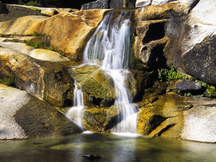 Marble Fork, Kaweah River, California - 1600x120 (700x525, 210Kb)