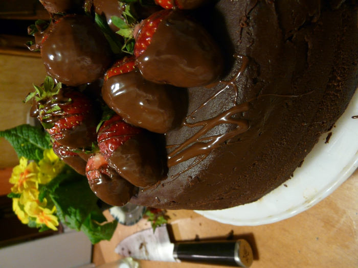 4278666_3420305050_0e6245fcee_Chocolate_Strawberry_Cake_O (700x525, 274Kb)