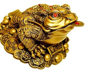 Немного мифологии: предания гласят, что на заре времени жила-была трехногая жаба.  Она была настолько злой и жадной...