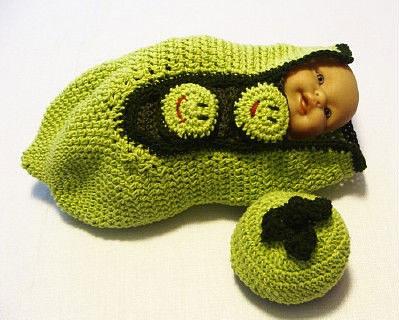 Вязаный комплект для новорожденного своими руками