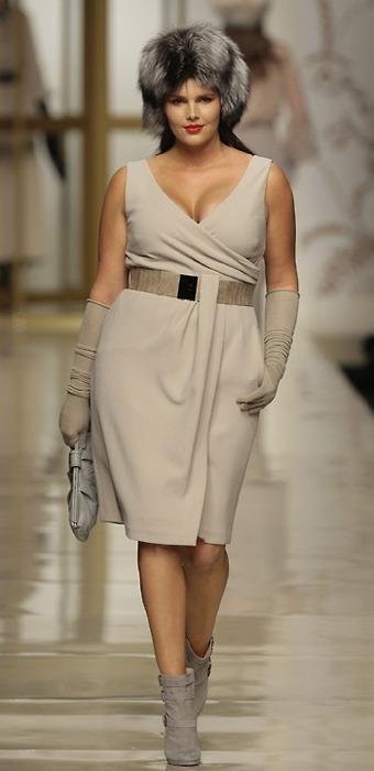 шикарно одетая полная женщина модель фото