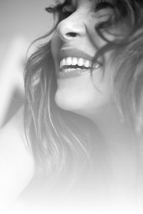 smiling_girl (202x302, 9Kb)