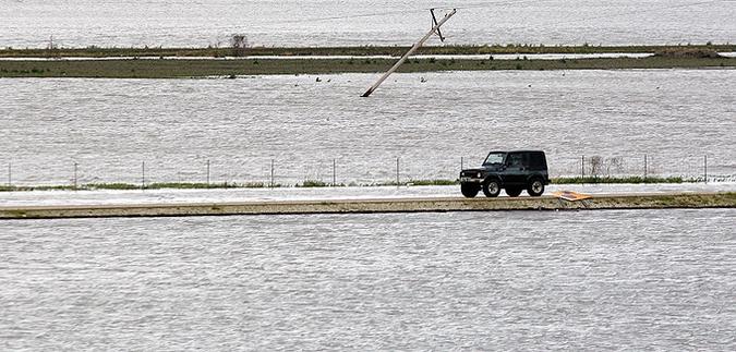 наводнение 2 (675x323, 205Kb)