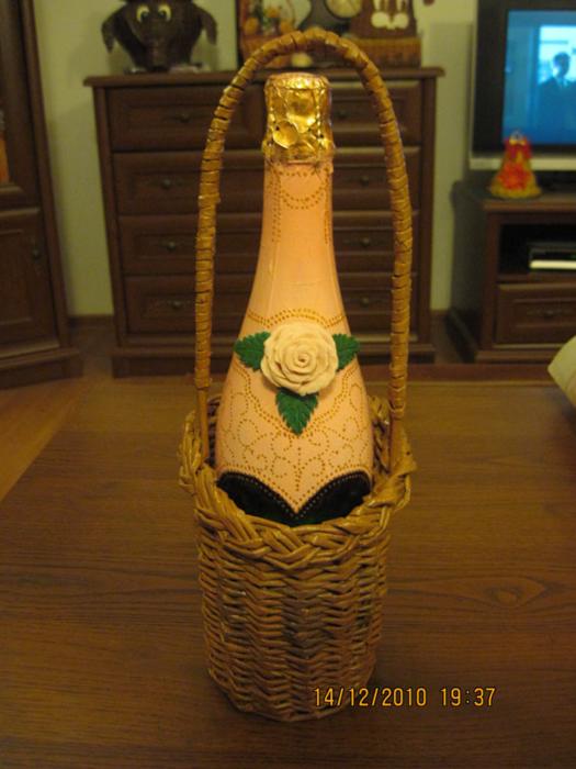 Для бутылки плетение из газетных трубочек
