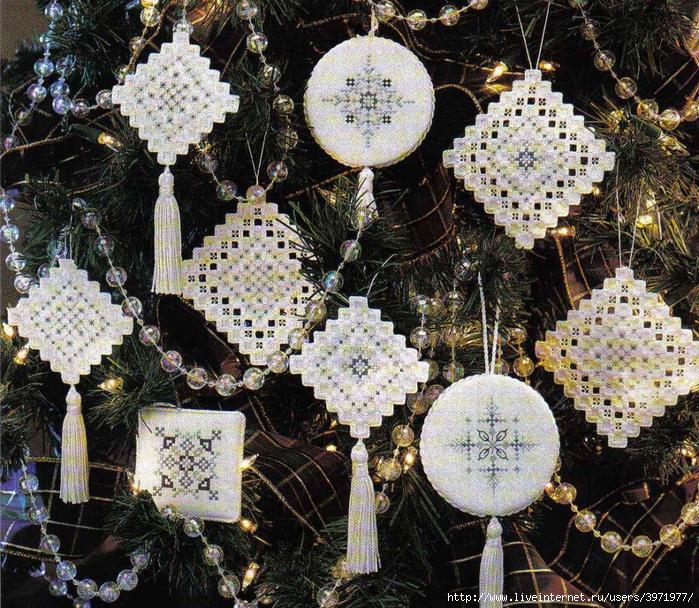 3971977_JCS_199912_48_Silver_Frost_Ornaments_pic (700x608, 512Kb)
