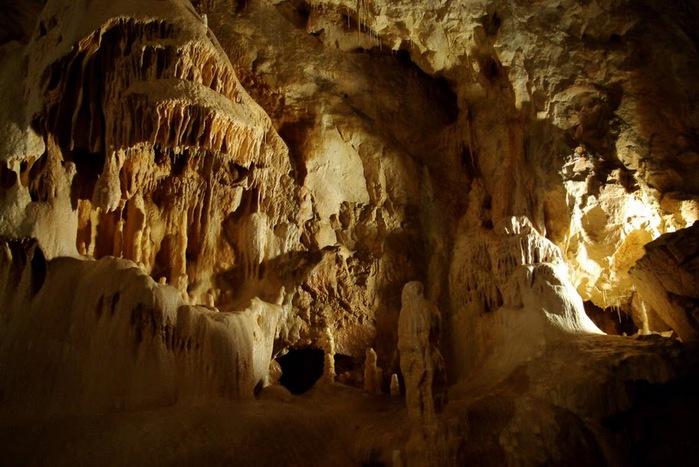 Медведь Пещера в селе Chiscau - Румыния - Bears' Cave, Chiscau, Romania, 72540