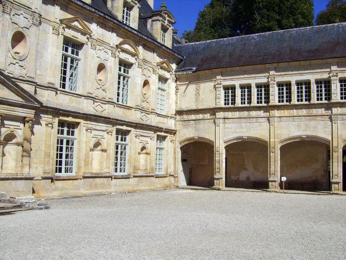 Замок Бюсси-Рабютен - Шато де Бюсси-ле-Гран 45973