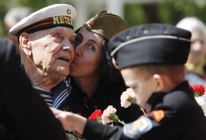 66-ая годовщина Победы над фашистской Германией, Москва, 9 мая 2011 года. /2270477_103_1_ (675x459, 65Kb)