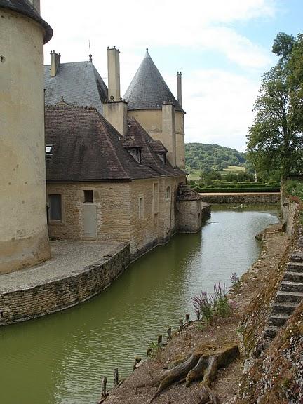 Замок Бюсси-Рабютен - Шато де Бюсси-ле-Гран 77602