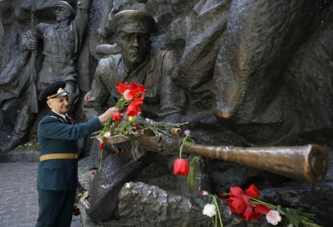 День Победы в Киеве, Украина, 9 мая 2011 года./2270477_42 (675x460, 91Kb)