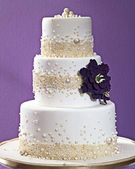 Безумной красоты торты предлагаются сейчас для праздничного торжества.