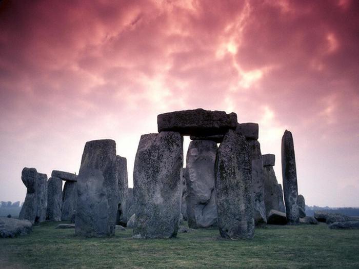 Stonehenge02 (700x525, 40Kb)