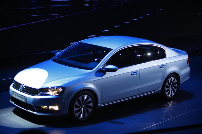 Volkswagen_Passat_1280_4ca432ecbc814 (700x466, 99Kb)