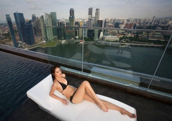 1277469104_infinity_pool_of_the_skypark-4 (600x421, 40Kb)