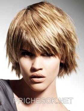 схема стрижки лесенка на волнистые волосы.