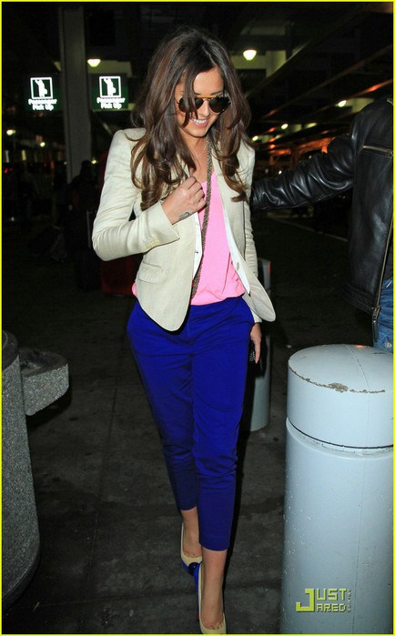 cheryl-cole-arrives-in-new-york-city-01 (434x700, 72Kb)