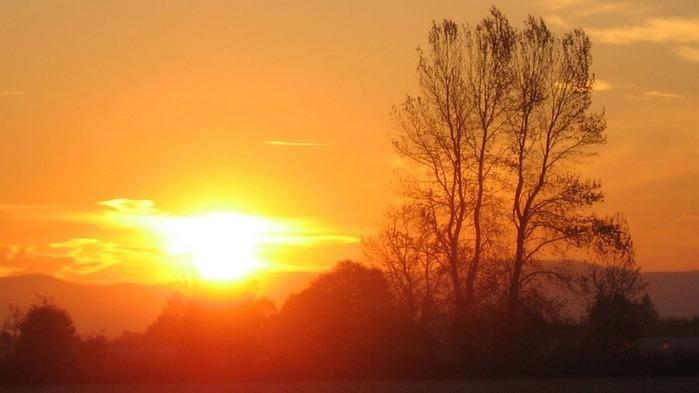 Прекрасный закат солнца 17