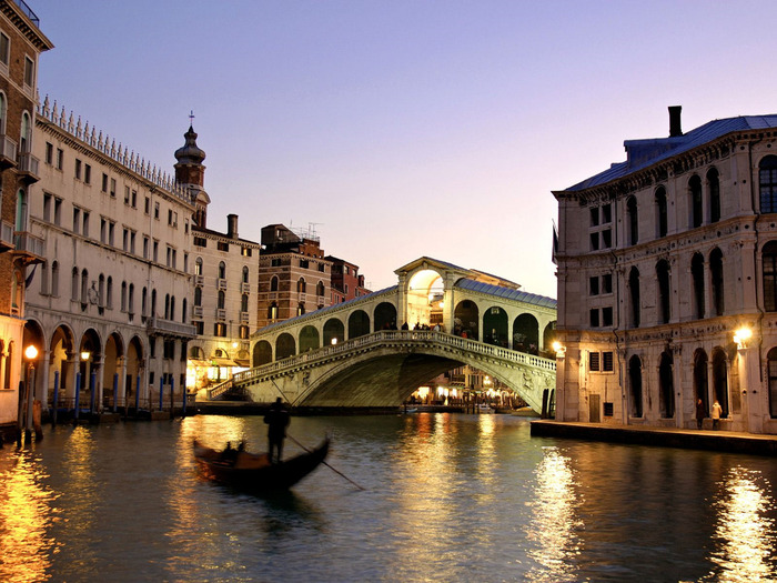 rialto-bridge-grand-canal-venice-italy (700x525, 157Kb)