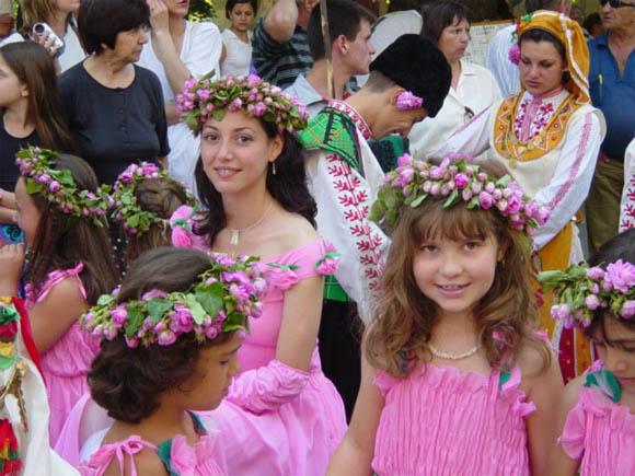 festival-roz-v-bolgarii3 (580x435, 100Kb)