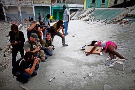 Девушка застрелена фото