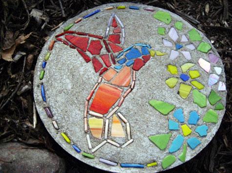 garden-mosaic-stepping-stone (475x356, 67Kb)
