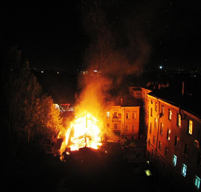 Пожар Одесса угол Троицкая Осипова + Успенская