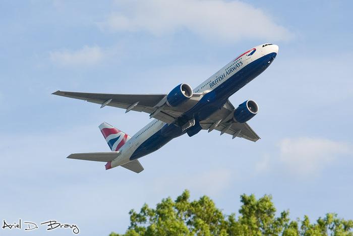 20070428015110_plane_takeoff (700x468, 68Kb)
