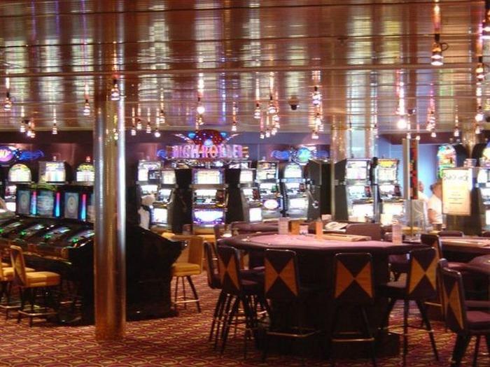 Красивый интерьер казино 2