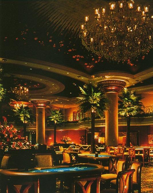 Красивый интерьер казино 8