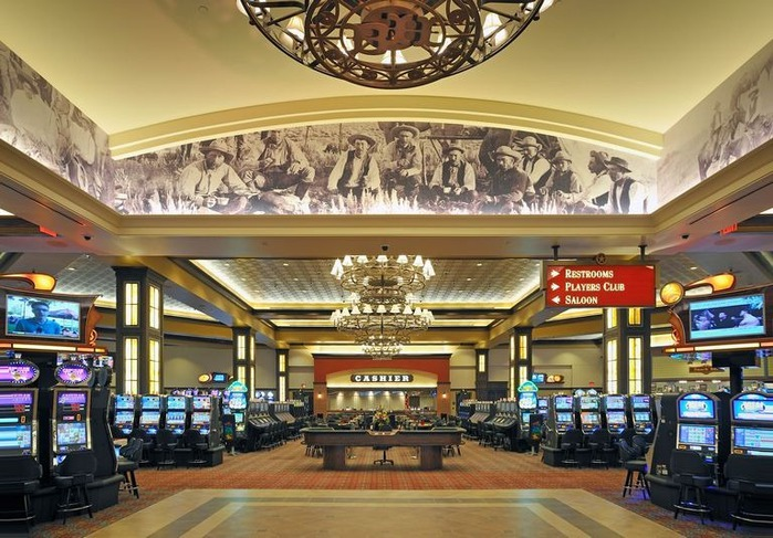 Красивый интерьер казино 18