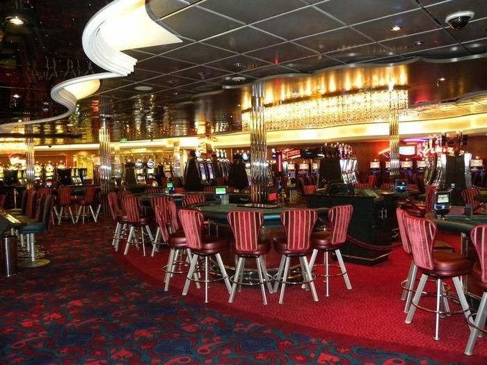 Красивый интерьер казино 26
