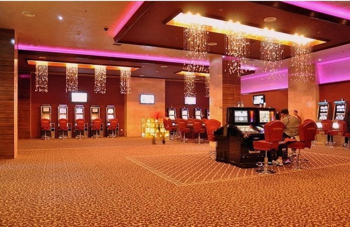 Красивый интерьер казино 36