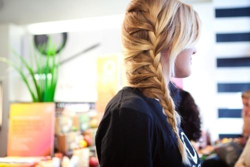 Плетение кос, основы моделирование причесок.