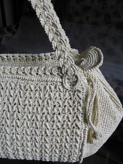 Великолепные сумки из полиэтиленовых лент.  Супер мега тема!