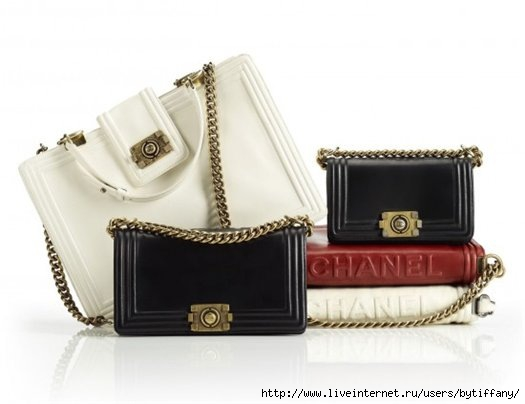 Новая сумка от Chanel модели Boy выглядит необыкновенно андрогинной.