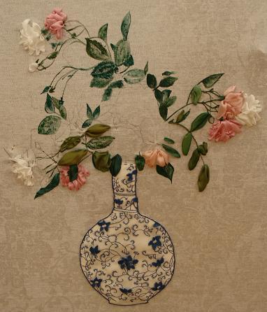 3437689_Silk_ribbon_Roses_in_Chinese_vase_1 (382x446, 33Kb)