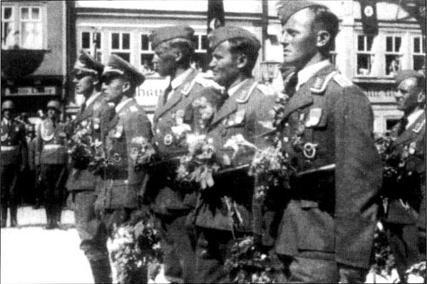 01 награжденные немцы перед войной (599x398, 83Kb)