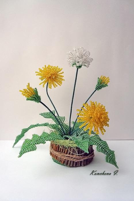 цветы из бисера-одуванчик
