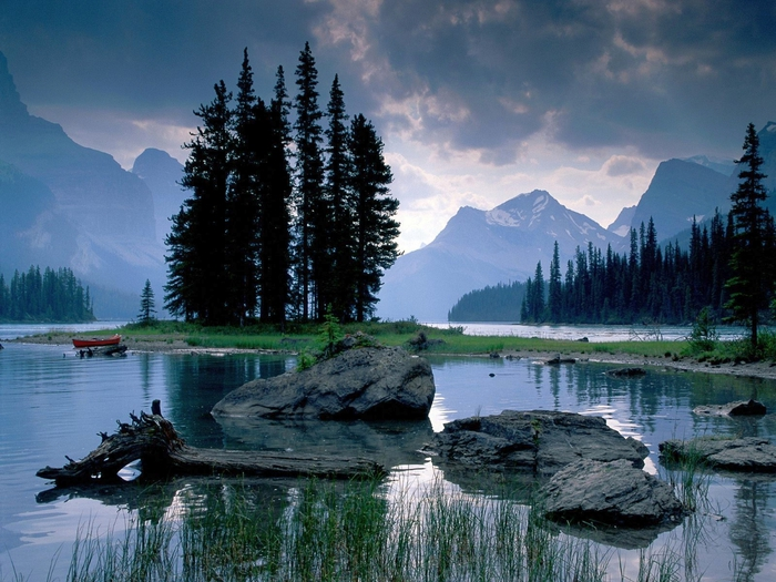 Spirit Island Maligne Lake, Jasper National Park, Alberta (700x525, 310Kb)
