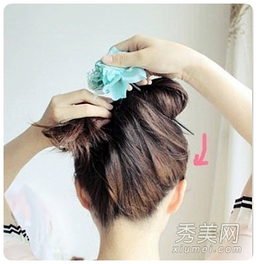 прическа с палочкой для волос/3374111_palochka_dlia_volos_kak (363x373, 89Kb)