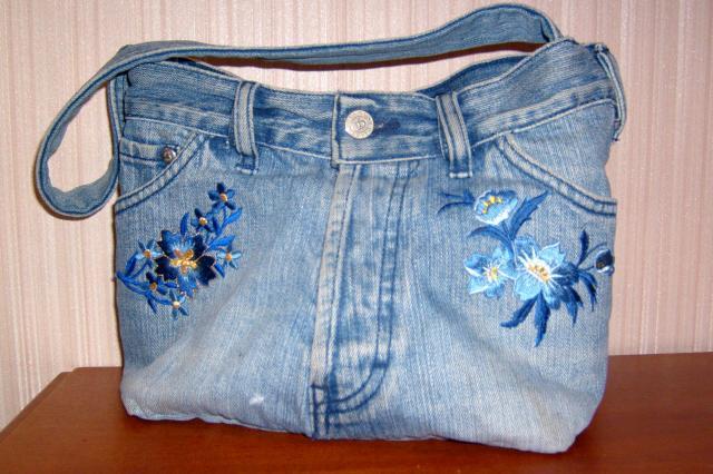 У меня года два назад была пляжная джинсовая сумочка. Я ее сшила из