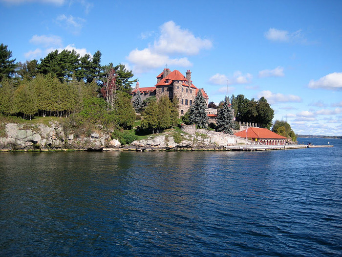 Замок Зингера (Singer Castle) на острове Дарк-Айленд (Dark Island) (Канада) 75882