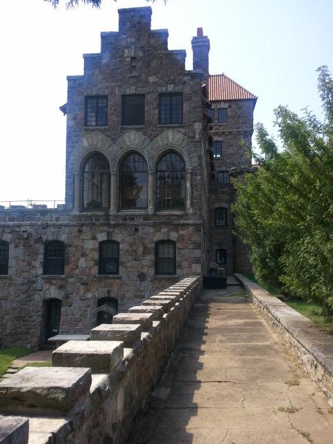 Замок Зингера (Singer Castle) на острове Дарк-Айленд (Dark Island) (Канада) 91575