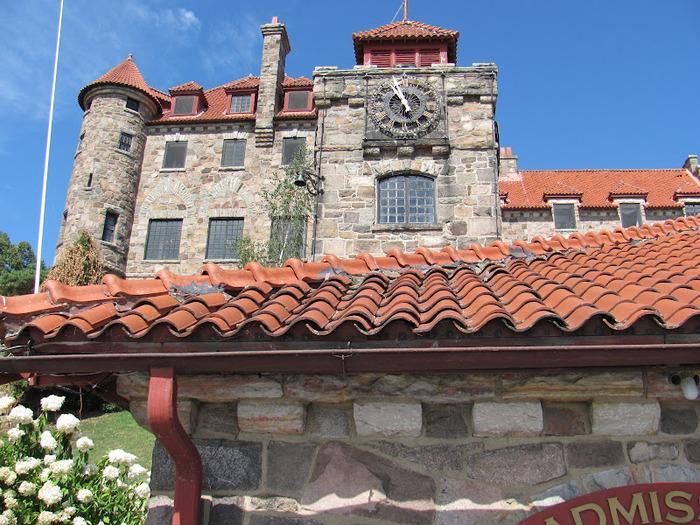 Замок Зингера (Singer Castle) на острове Дарк-Айленд (Dark Island) (Канада) 33252