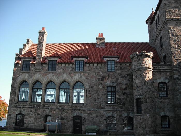 Замок Зингера (Singer Castle) на острове Дарк-Айленд (Dark Island) (Канада) 84306